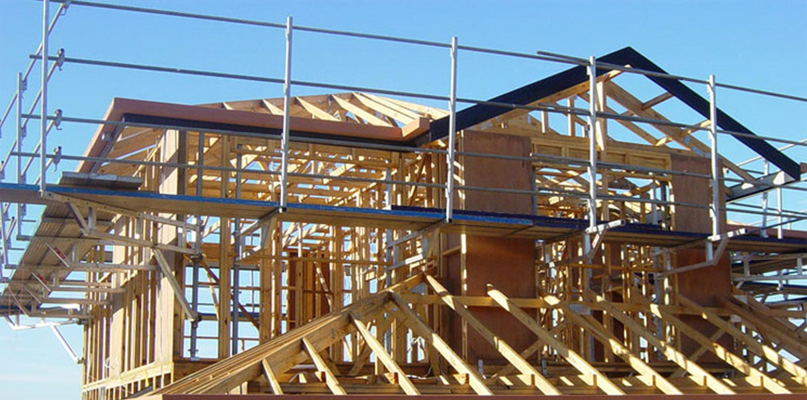 Safety Tips for Working with Scaffolding: Managing The Risks